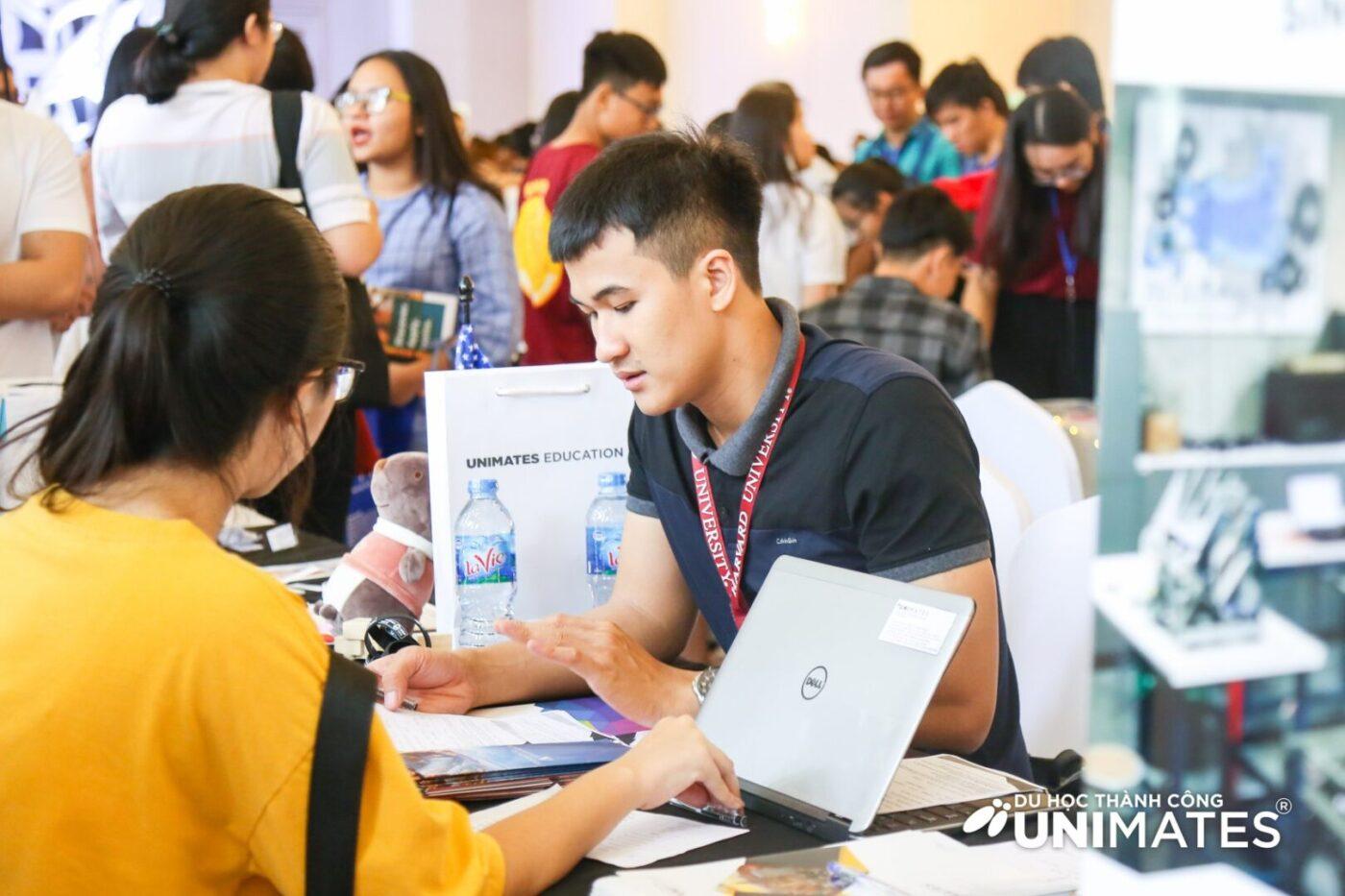 Chuyên viên tư vấn Henry Bắc từ UNIMATES Education Vietnam
